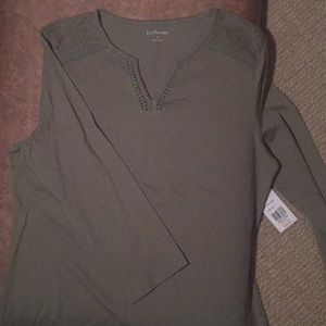 Olive color 3/4 sleeve shirt